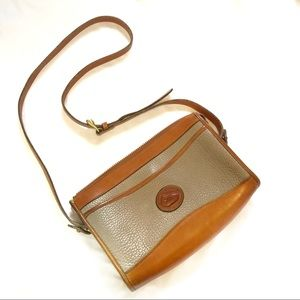 Vtg Dooney and bourke crossbody shoulder bag